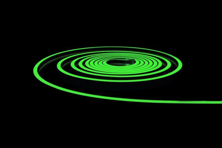 2 žalias neonas